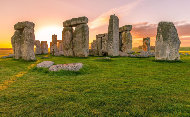 Amazing Places in the World Stonehenge